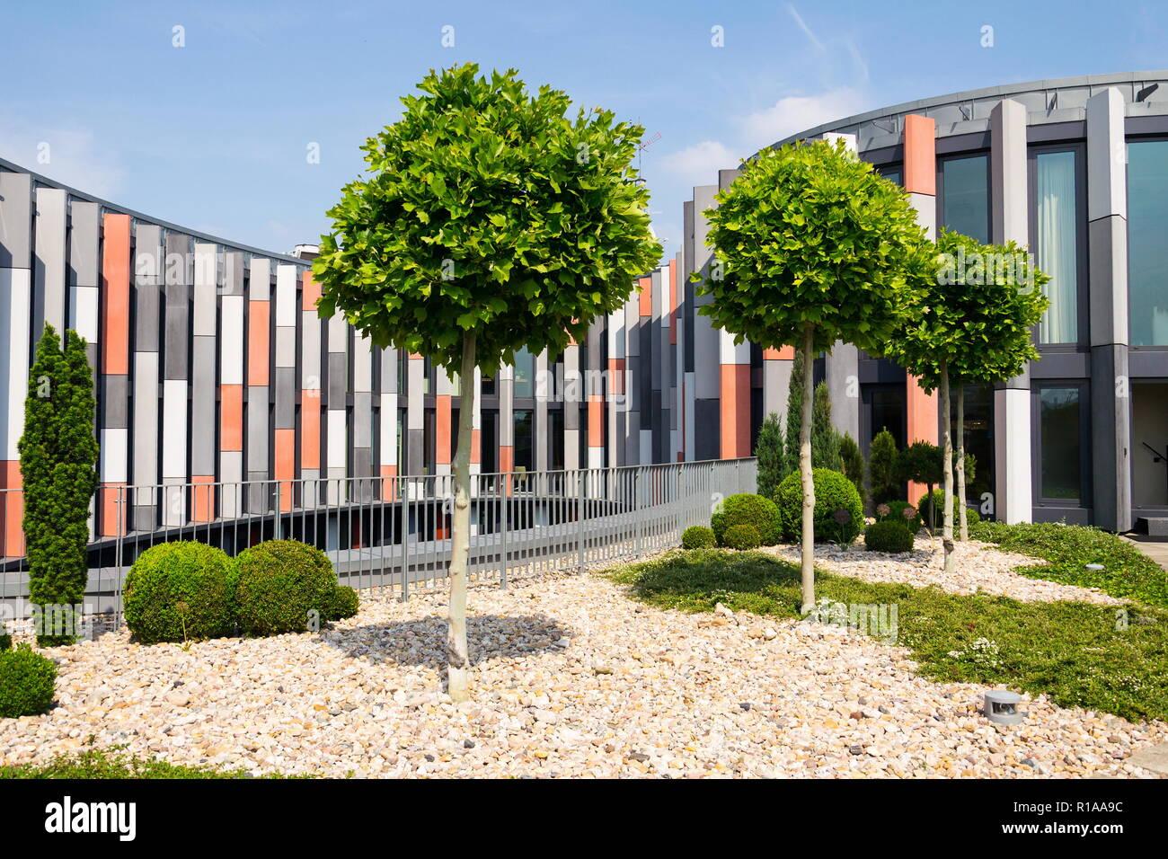 Roof Garden Terrace With Brise Soleil Sun Breakers On Modern Office