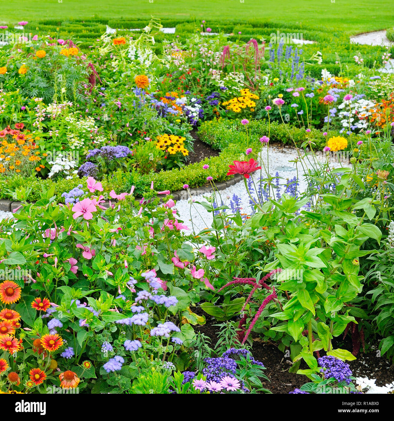 Flower Bed Stock Photos U0026 Flower Bed Stock Images   Alamy