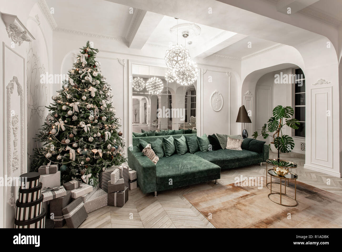 Christmas Evening Classic Luxurious Apartments With