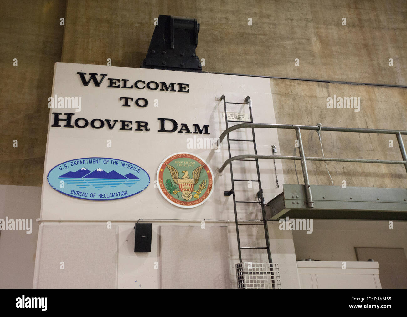 welcome to hoover dam sign inside of powerplant - Stock Image