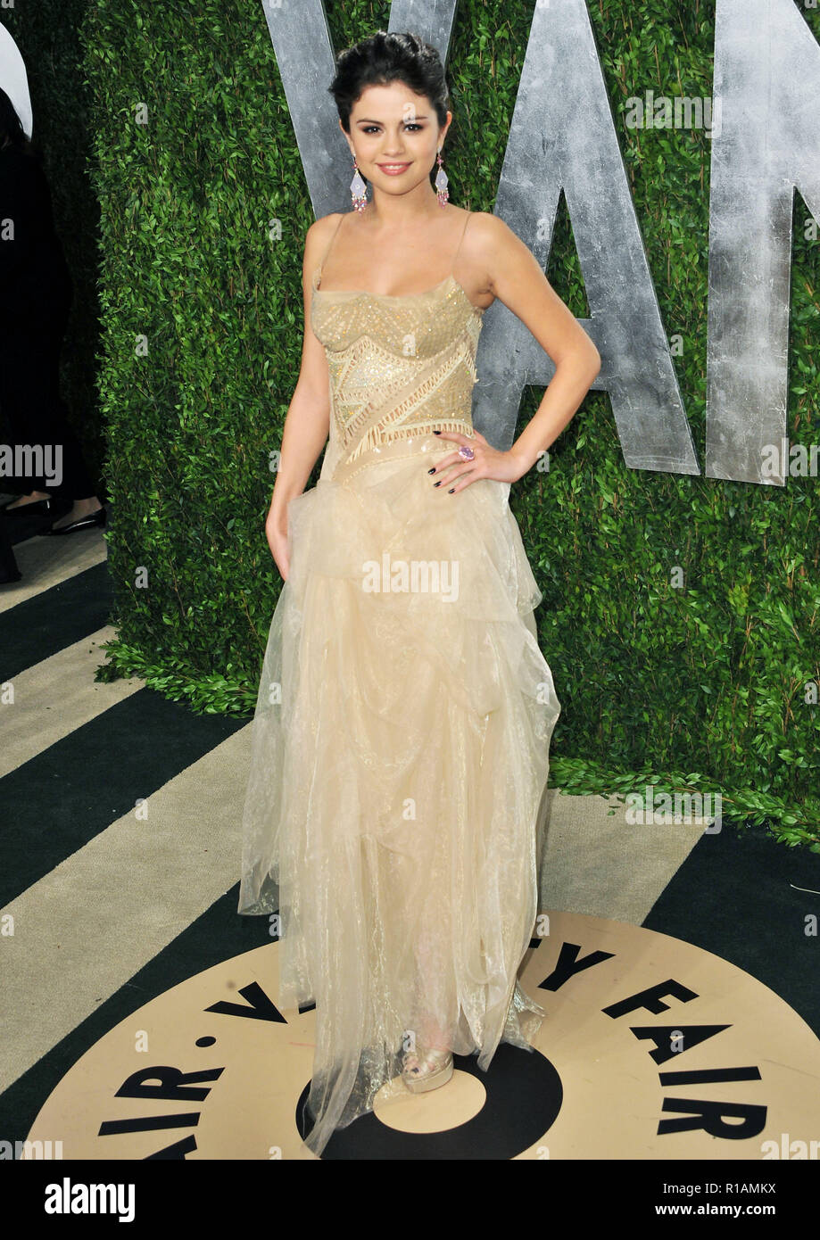Selena Gomez 611 At The Vanity Fair 2013 Oscar Party At The Sunset Tower In Los Angeles Selena Gomez 611 Event In Hollywood Life California Red Carpet Event Usa Film Industry Celebrities