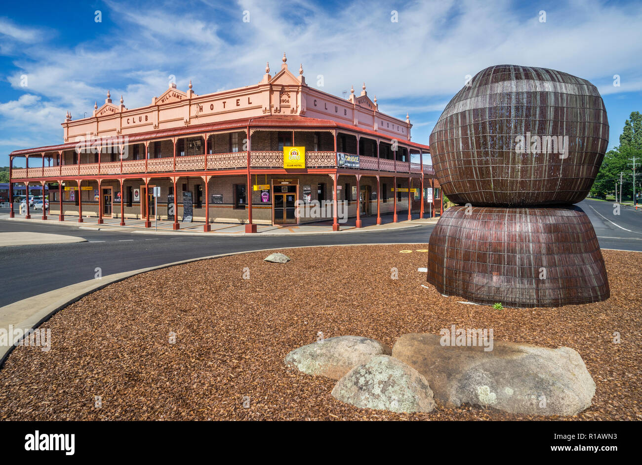 modern sculpture of the Grey and Wentworth Street roundabout by local artist Carl Cree is inspired by the monolithic boulders of the area, in the back - Stock Image