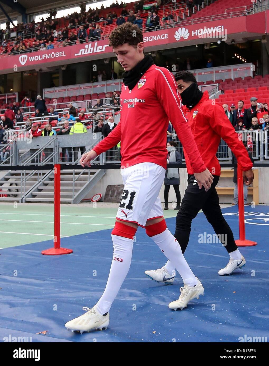 firo: 10.11.2018, Fuvuball, 1.Bundesliga, season 2018/2019, 1.FC Nvºrnberg - VFB Stuttgart 0: 2, Benjamin Pavard, VFB, Stuttgart, VFB Stuttgart, whole figure | usage worldwide - Stock Image