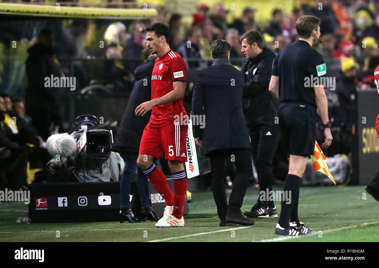 firo: 10.11.2018 Football, Football: 1. Bundesliga, season 2018/2019 BVB Borussia Dortmund - FC Bayern Munich Munich 3: 2 Substitution, Substitutions, FCB Mats Hummels, FCB coach, Coach, Niko KovaA, Kovac,   usage worldwide - Stock Image
