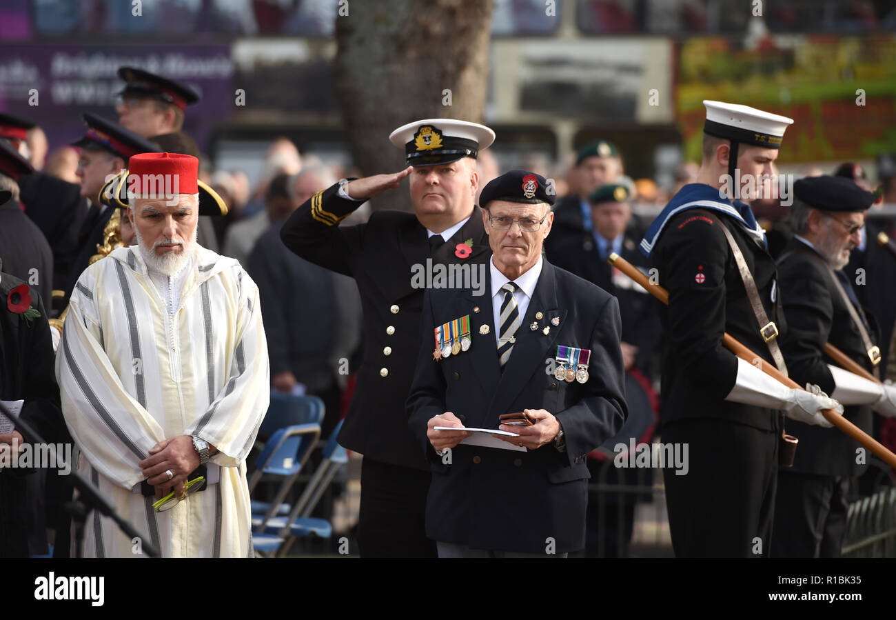 Brighton UK 11th November 2018 - at the Act of Remembrance Service held at Brighton war memorial . It is the 100 year anniversary today of the ending of World War One on the 11th November 1918 . Photograph taken by Simon Dack Credit: Simon Dack/Alamy Live News - Stock Image