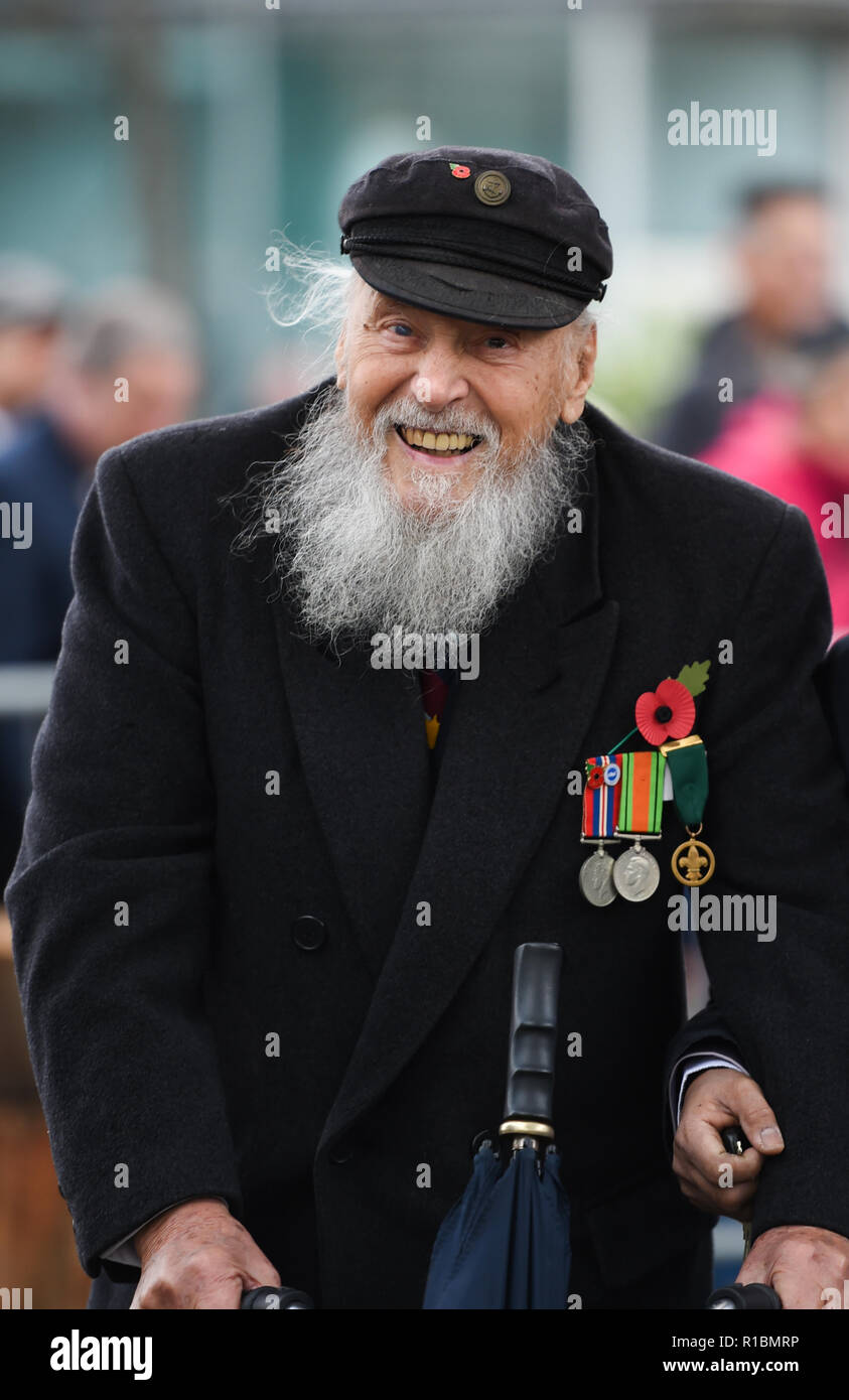 Brighton UK 11th November 2018 - 95 year old George Montague who served as an instructor in the RAF at the Act of Remembrance Service held at Brighton war memorial . It is the 100 year anniversary today of the ending of World War One on the 11th November 1918 . Photograph taken by Simon Dack Credit: Simon Dack/Alamy Live News - Stock Image