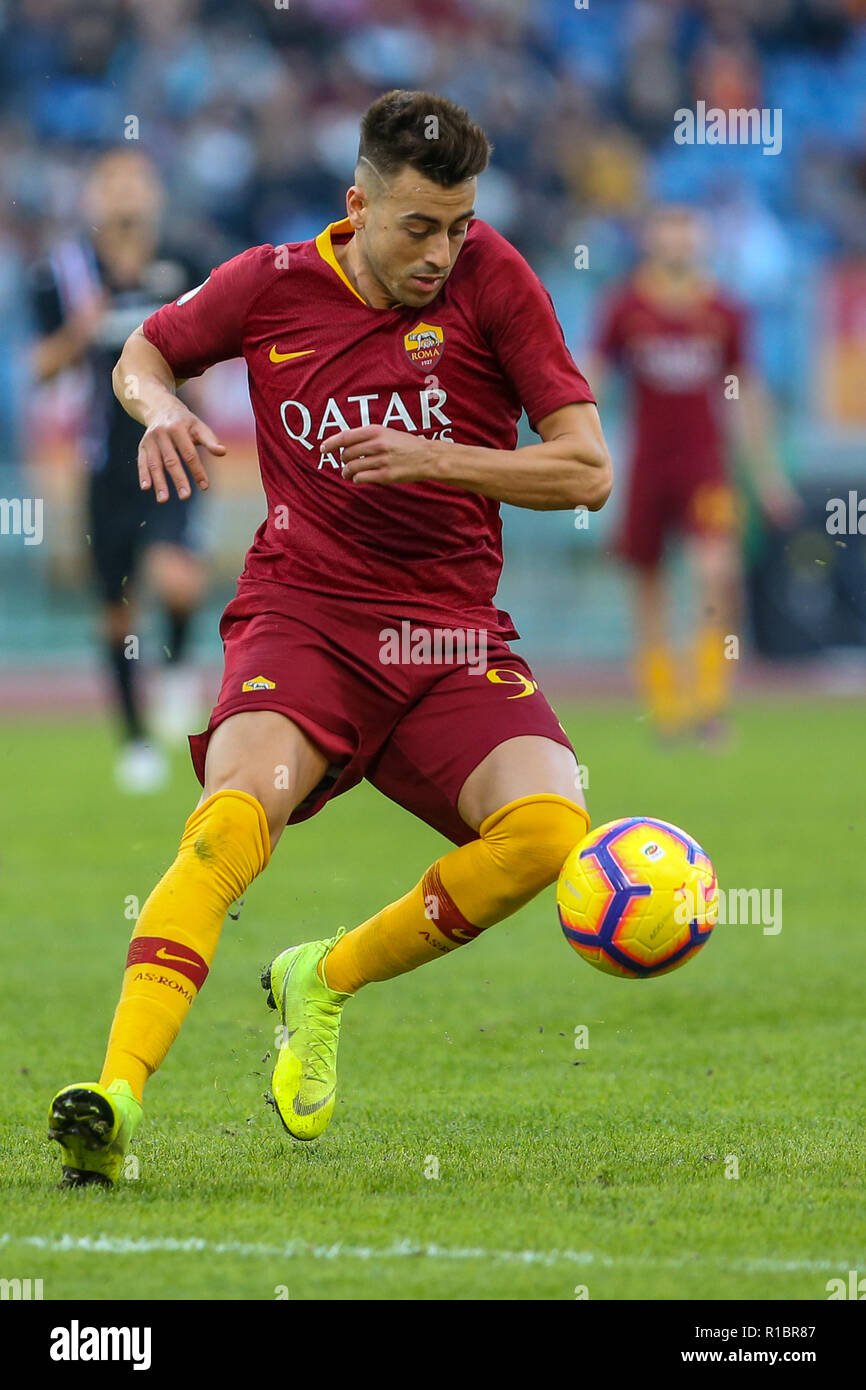 Stadio Olimpico, Rome, Italy. 11th Nov, 2018. Serie A Football, Roma versus Sampdoria; Stephan El Shaarawy of Roma controls the ball through midfield Credit: Action Plus Sports/Alamy Live News Stock Photo