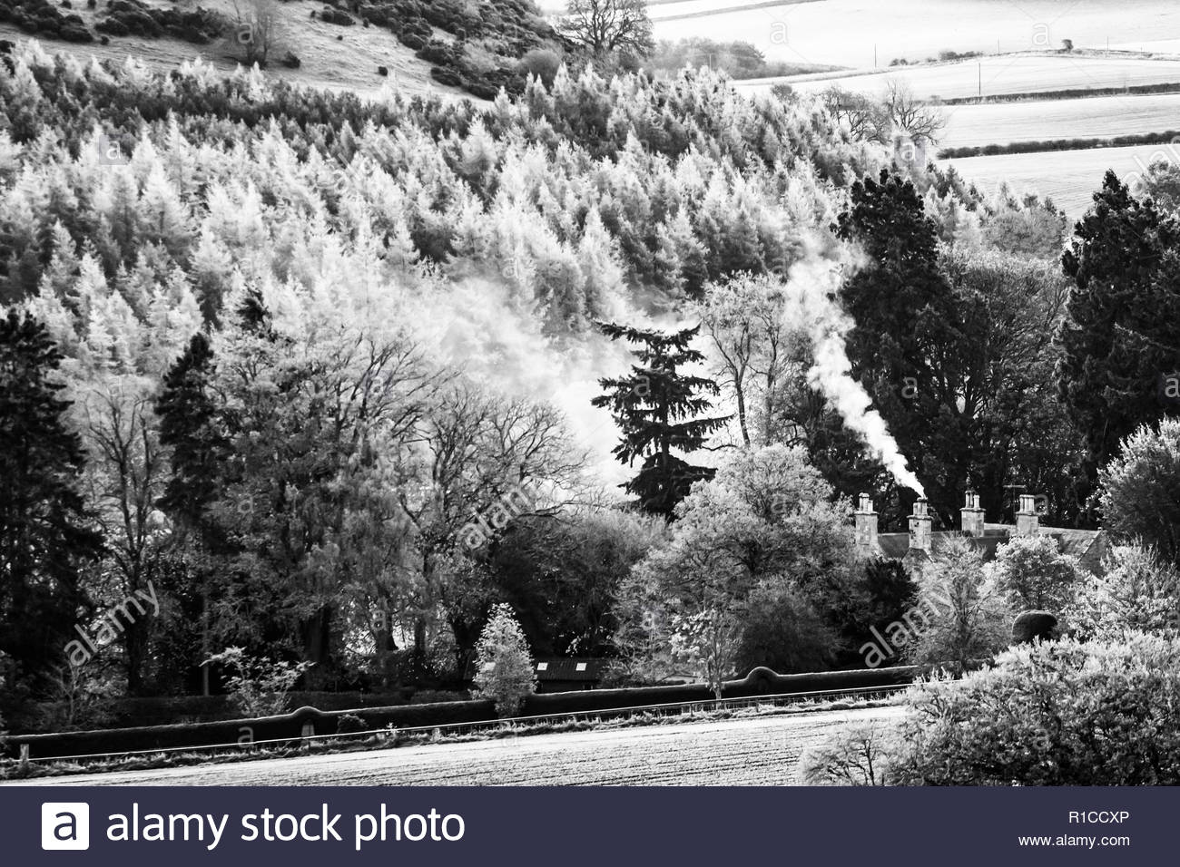 Oxnam, Jedburgh, Scottish Borders, UK. 29th October 2018. Home fires burn early at Oxnam Row Farmhouse as a heavy frost greeted the Scottish Borders o - Stock Image