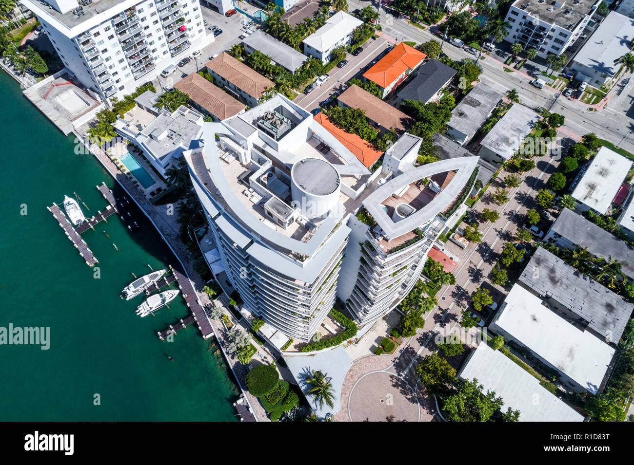 Miami Beach Florida Biscayne Bay aerial overhead bird's eye view above Capri South Beach roof rooftop - Stock Image