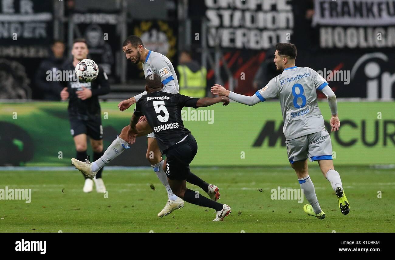 firo: 11.11.2018, football, 1.Bundesliga, season 2018/2019, Eintracht Frankfurt - FC Schalke 04 bentaleb versus FERNANDES   usage worldwide - Stock Image