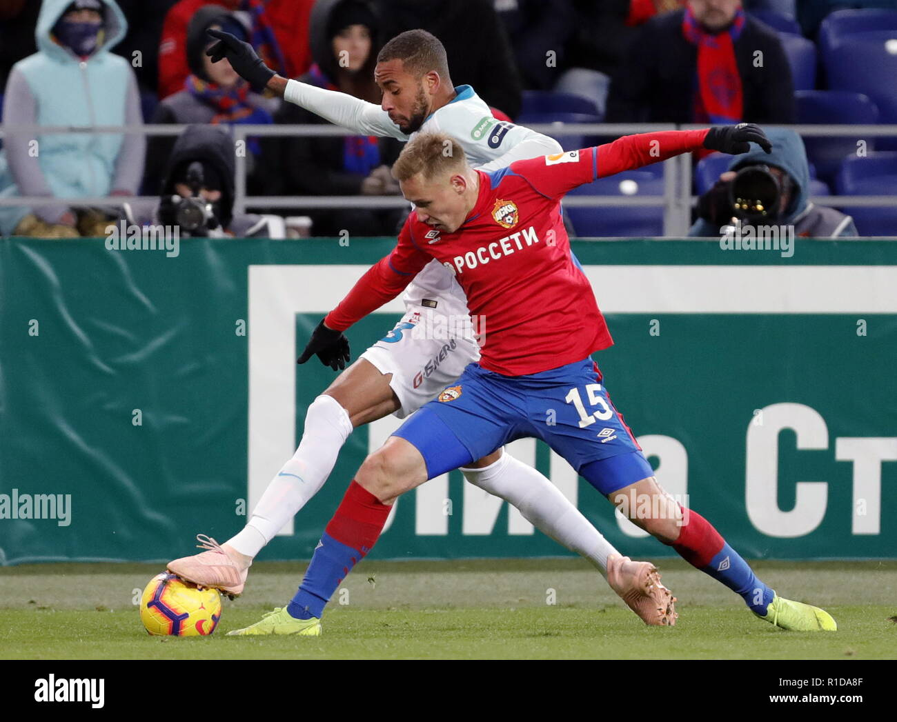 MOSCOW, RUSSIA – NOVERMBER 11, 2018: Zenit St Petersburg's Hernani (L) and CSKA Moscow's Dmitry Yefremov in action in their 2018/19 Russian Premier League Round 14 football match at VEB Arena Stadium. Mikhail Japaridze/TASS - Stock Image