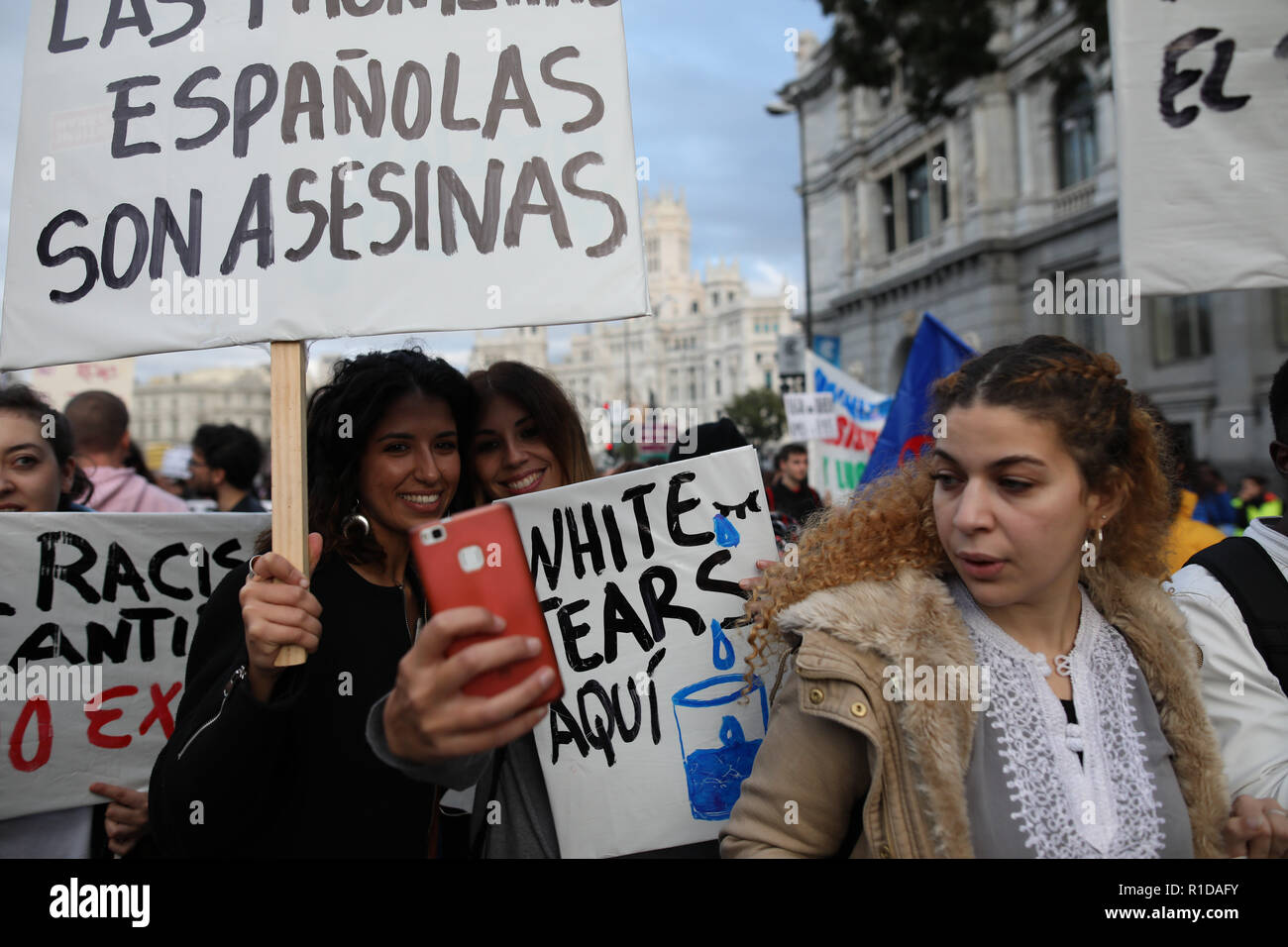 Madrid, Spain. 11th Nov, 2018. Several organizations have called a demonstration under the slogan ''Against institutional racism'' that roamed the streets of Madrid to demand the elimination of immigration centers (CIE) and denounce the Law of Foreigners and the persecution of the manteros, among other demands on Nov 11, 2018 in Madrid, Spain Credit: Jesus Hellin/ZUMA Wire/Alamy Live News - Stock Image