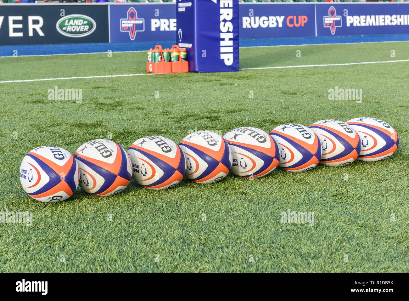 London, UK. 11th Nov 2018. The match official balls during Premiership Rugby Cup Round 3 match between Saracens and Worcester Warriors at Allianz Park on Sunday, 11 November 2018. LONDON ENGLAND.  (Editorial use only, license required for commercial use. No use in betting, games or a single club/league/player publications.) Credit: Taka Wu/Alamy Live News - Stock Image