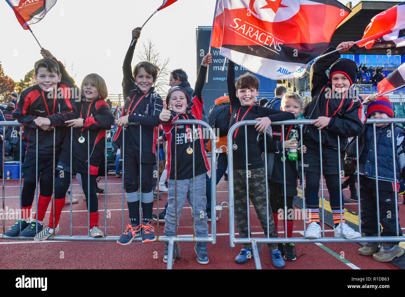 London, UK. 11th Nov 2018. The local school children were given free ticket to the game during Premiership Rugby Cup Round 3 match between Saracens and Worcester Warriors at Allianz Park on Sunday, 11 November 2018. LONDON ENGLAND.  (Editorial use only, license required for commercial use. No use in betting, games or a single club/league/player publications.) Credit: Taka Wu/Alamy Live News - Stock Image