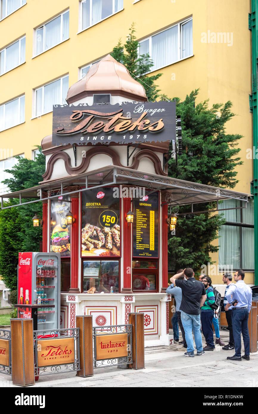 Teteks fast food riverside kiosk, Bitpazarska, Skopje, Skopje Region, Republic of Macedonia - Stock Image