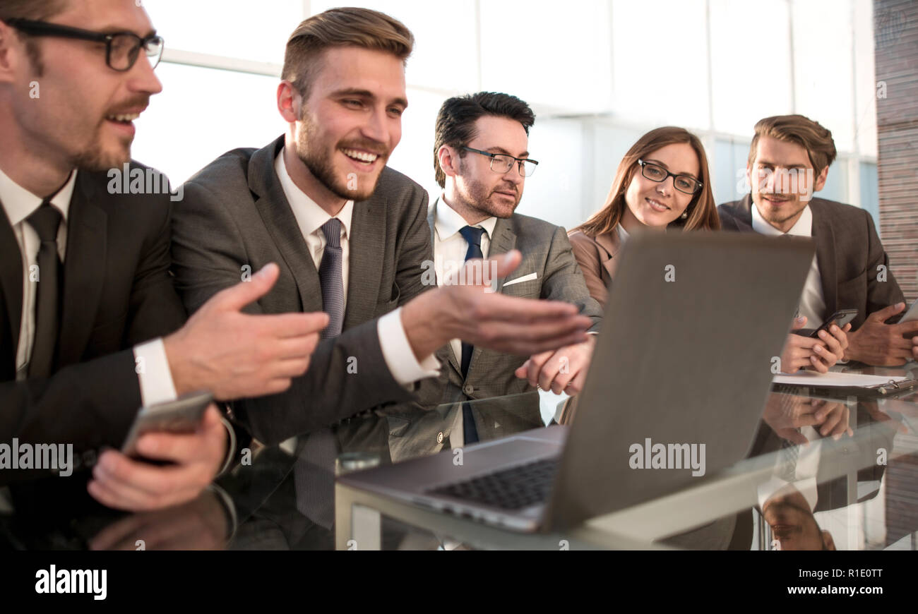 analytics points to a computer monitor - Stock Image