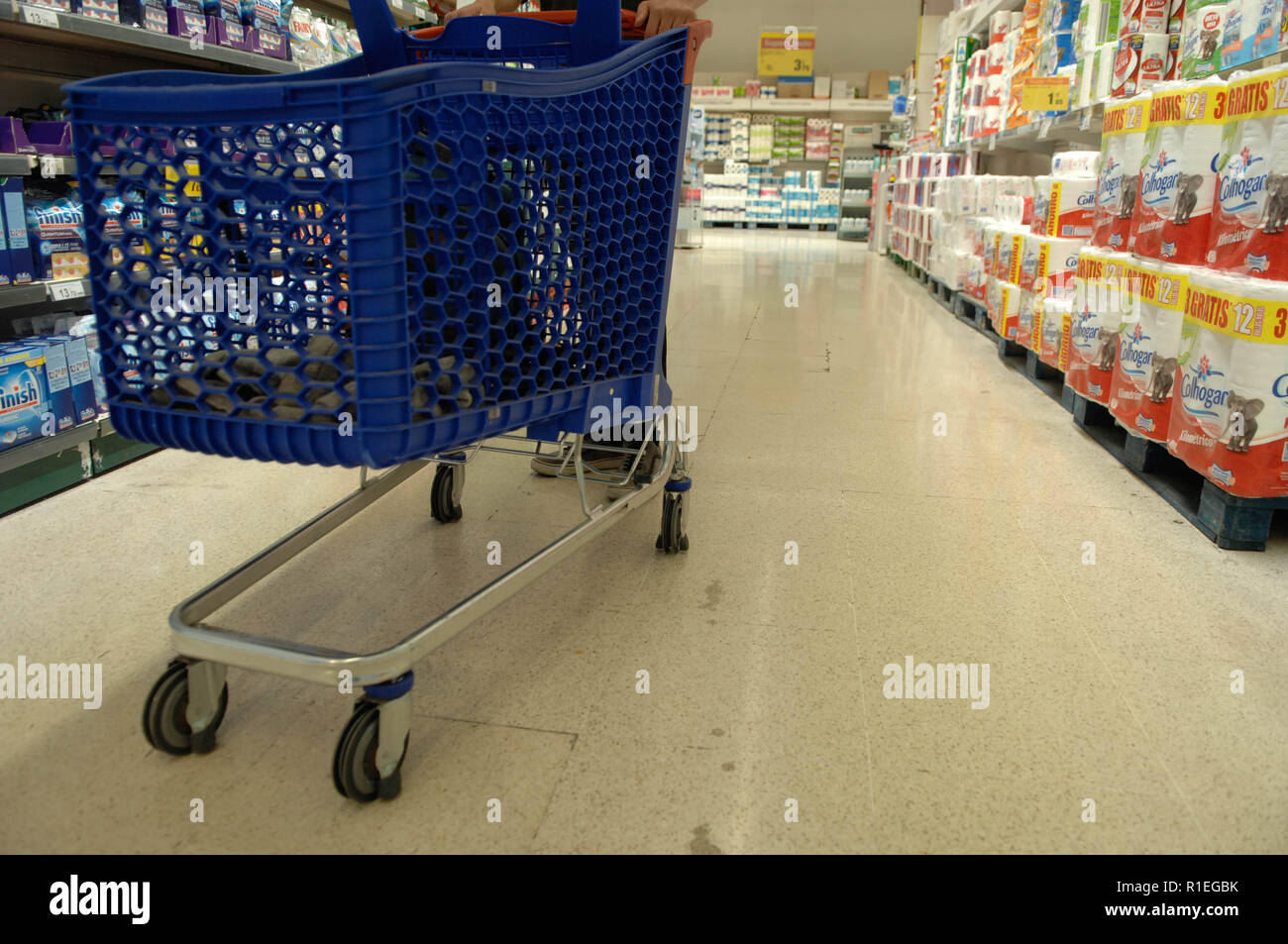 Carrefour Trolley Stock Photos Carrefour Trolley Stock