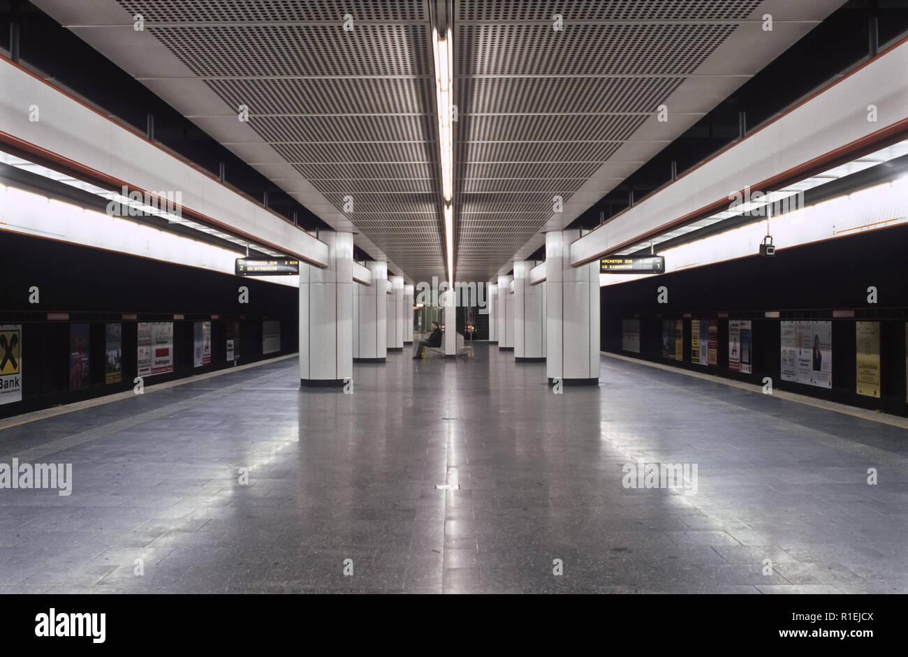 Wien U Bahn U3 Hütteldorfer Straße Vienna Subway Line U3