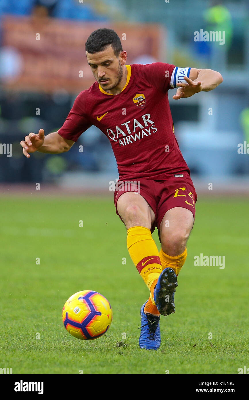 Rome, Italy. 11th Nov, 2018. 11th November 2018, Stadio Olimpico, Rome, Italy; Serie A Football, Roma versus Sampdoria; Alessandro Florenzi of Roma controls the ball Credit: Giampiero Sposito/Pacific Press/Alamy Live News Stock Photo