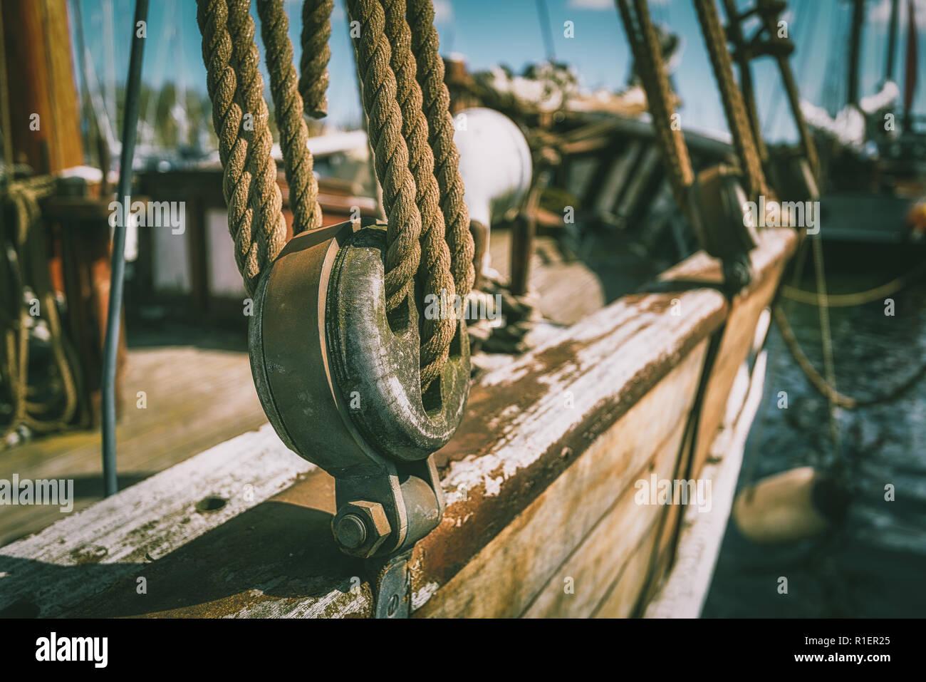 Takelage auf historischen Segelschiff im Museumshafen Greifswald - Stock Image
