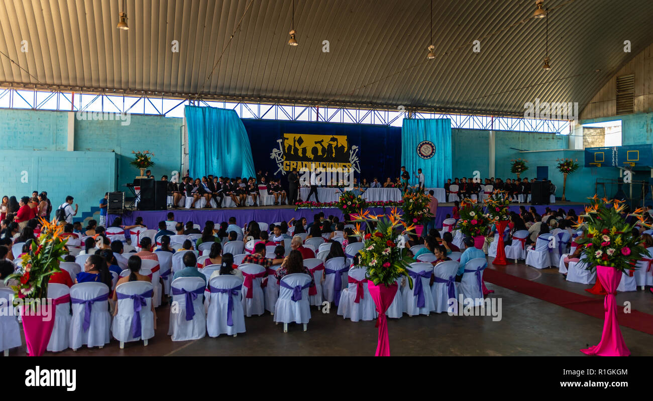 students graduating from Guatemalan college - Stock Image