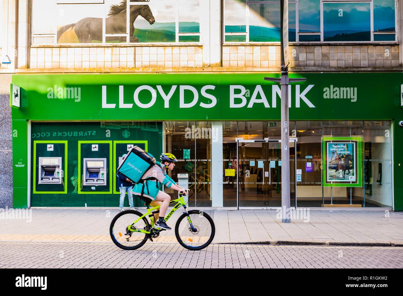 Branch of Lloyds Bank. Southampton, Hampshire, England, United Kingdom, UK, Europe - Stock Image