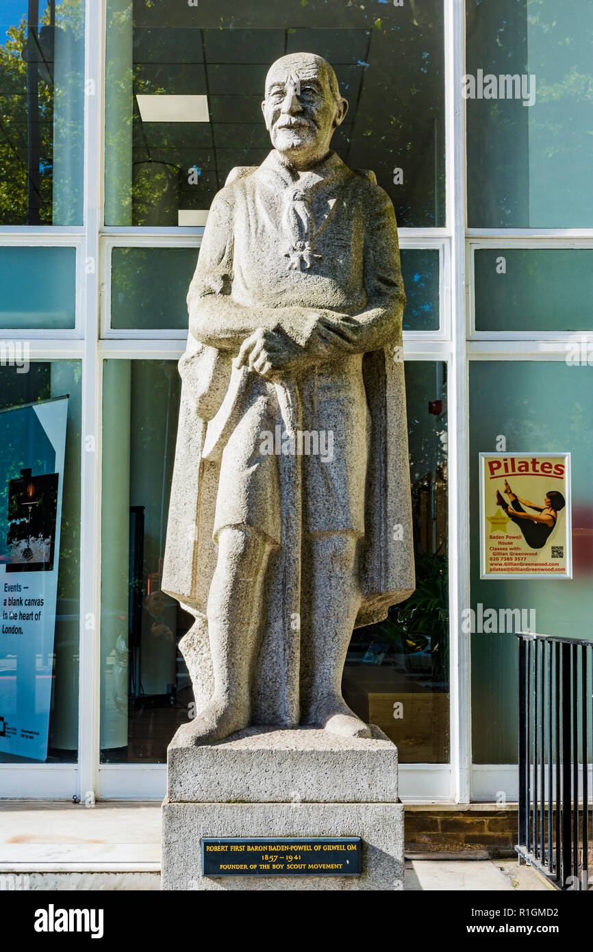 Statue of Baden-Powell by Don Potter. Baden-Powell House is a Scouting hostel and conference centre in South Kensington. London, England, United Kingd - Stock Image