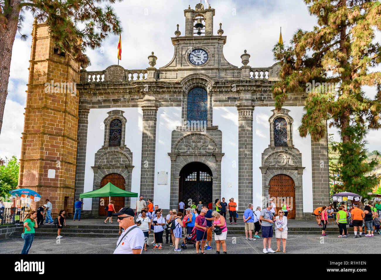 Groups of tourists outside the Basilica Nuestra Señora del Pino. an 18th century cathedral in Teror,  Gran Canaria, canary Islands - Stock Image