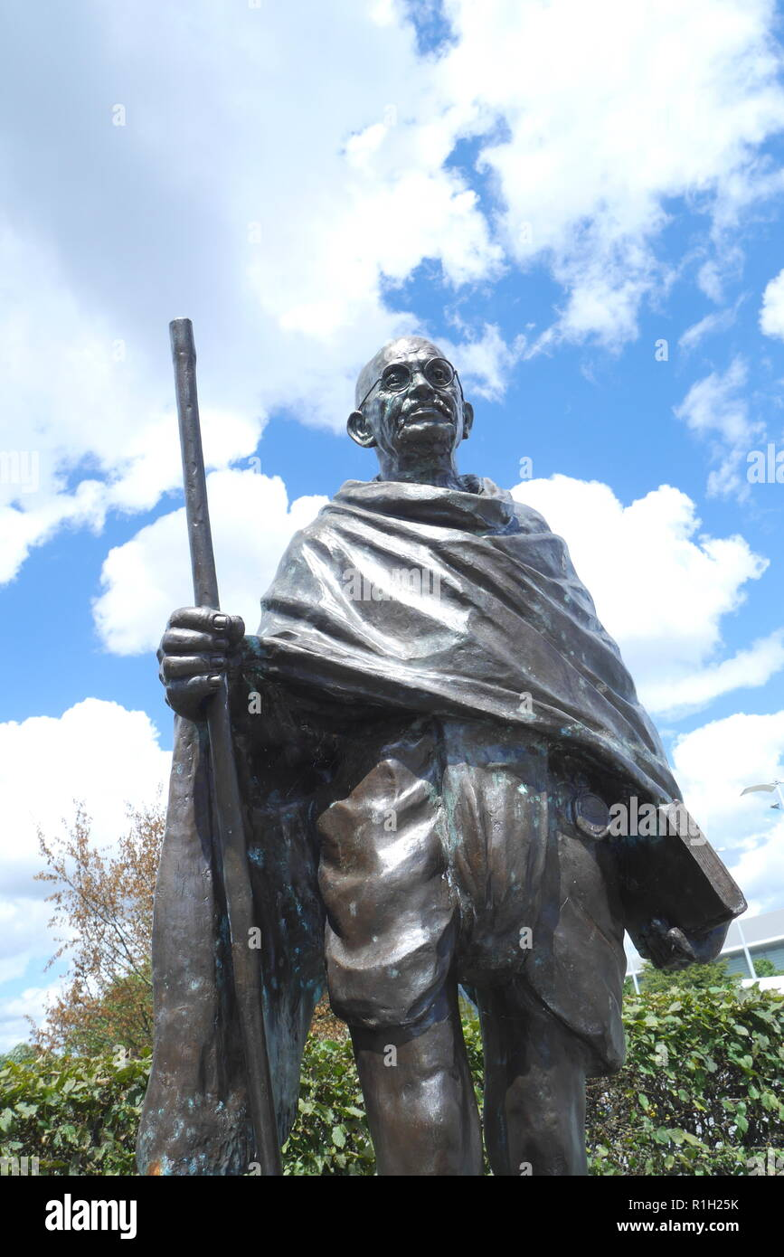 Bronze statue of Mahatma Gandhi, by Ram and Anil Sutar, Cardiff Bay, Cardiff, South Wales, United Kingdom - Stock Image