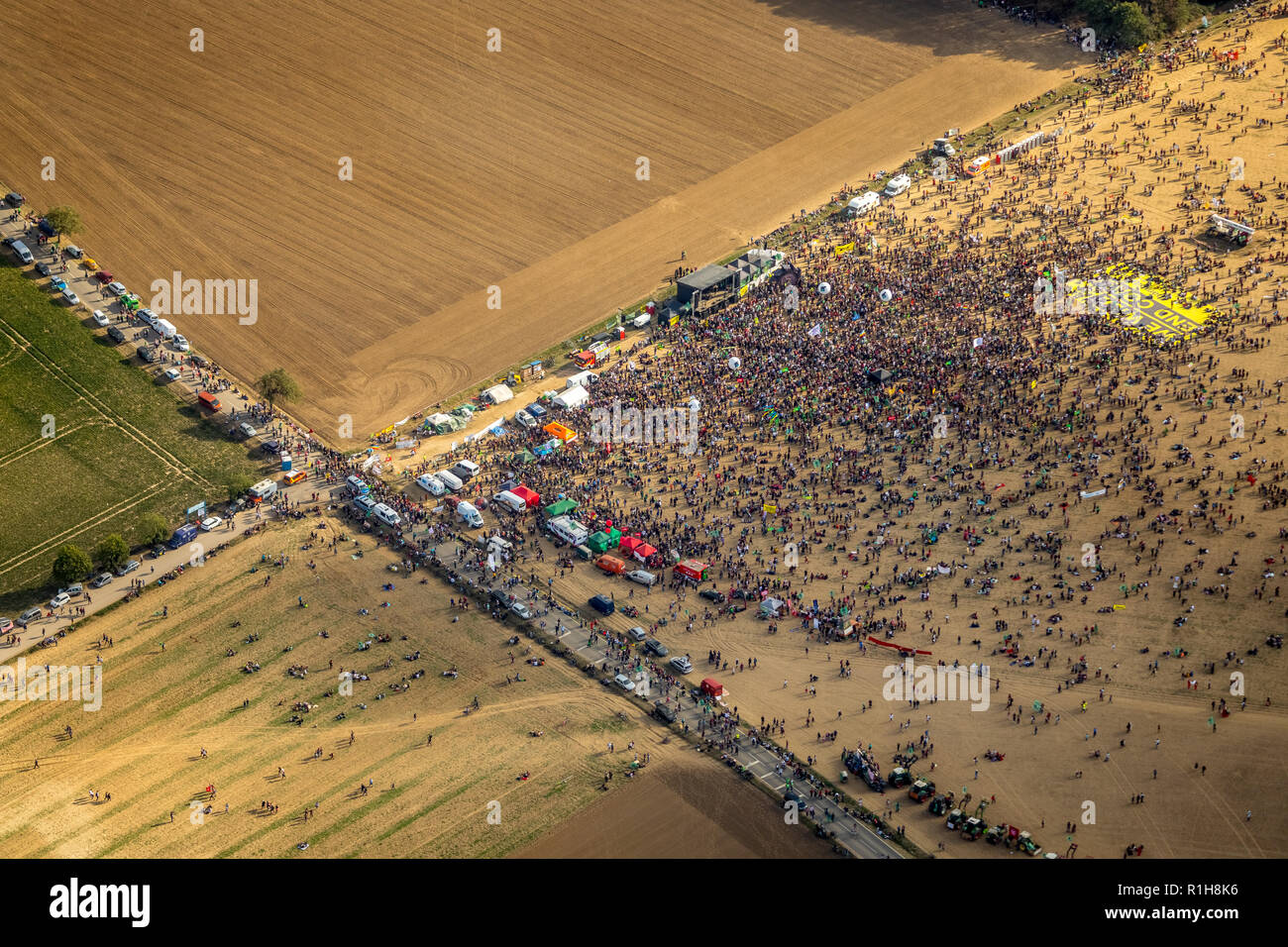 Many people on large-scale demonstration against the clearing of the Hambach forest, lignite area, Hambach, Hambacher Forst - Stock Image