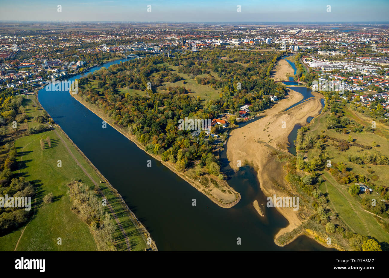 Rivers Elbe and Alte Elbe at low tide, dry branch, water shortage, Magdeburg, Saxony-Anhalt, Germany - Stock Image