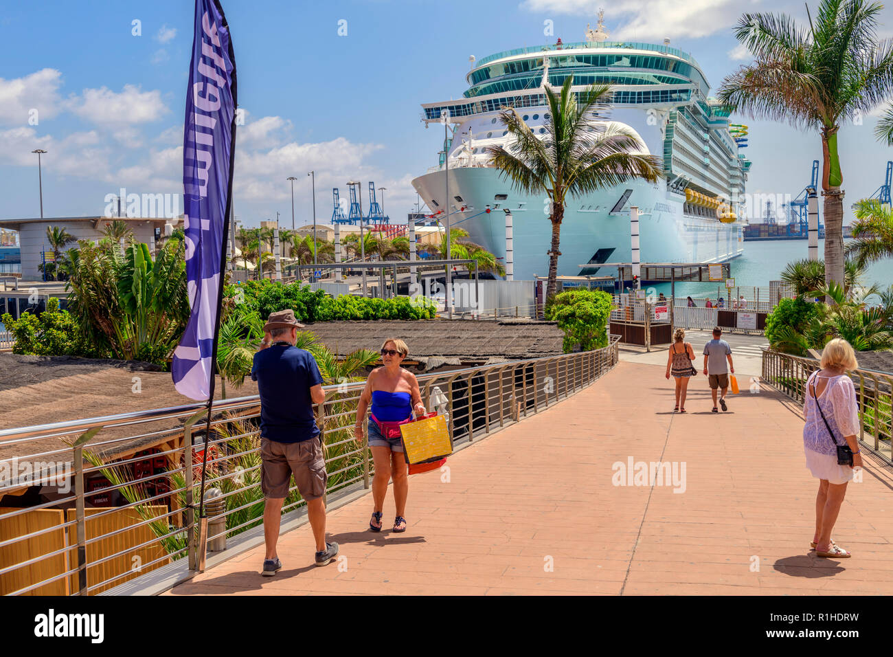 The royal caribbean ship Independence of the seas, docked at Las Palmas Gran canaria - Stock Image