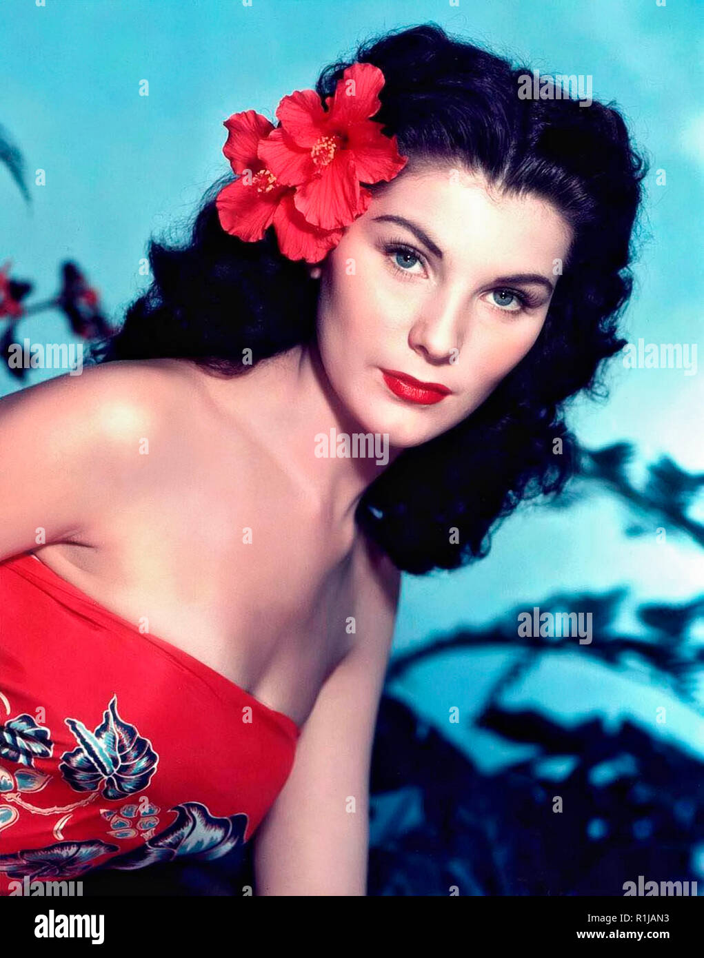 Debra Paget (born Debralee Griffin; August 19, 1933) is an American actress and entertainer. She is perhaps best known for her performances in Cecil B. DeMille's epic The Ten Commandments (1956) and in Love Me Tender (1956) (the film debut of Elvis Presley), and for the risque (for the time) snake dance scene in The Indian Tomb (1959) Credit: Hollywood Photo Archive / MediaPunch - Stock Image