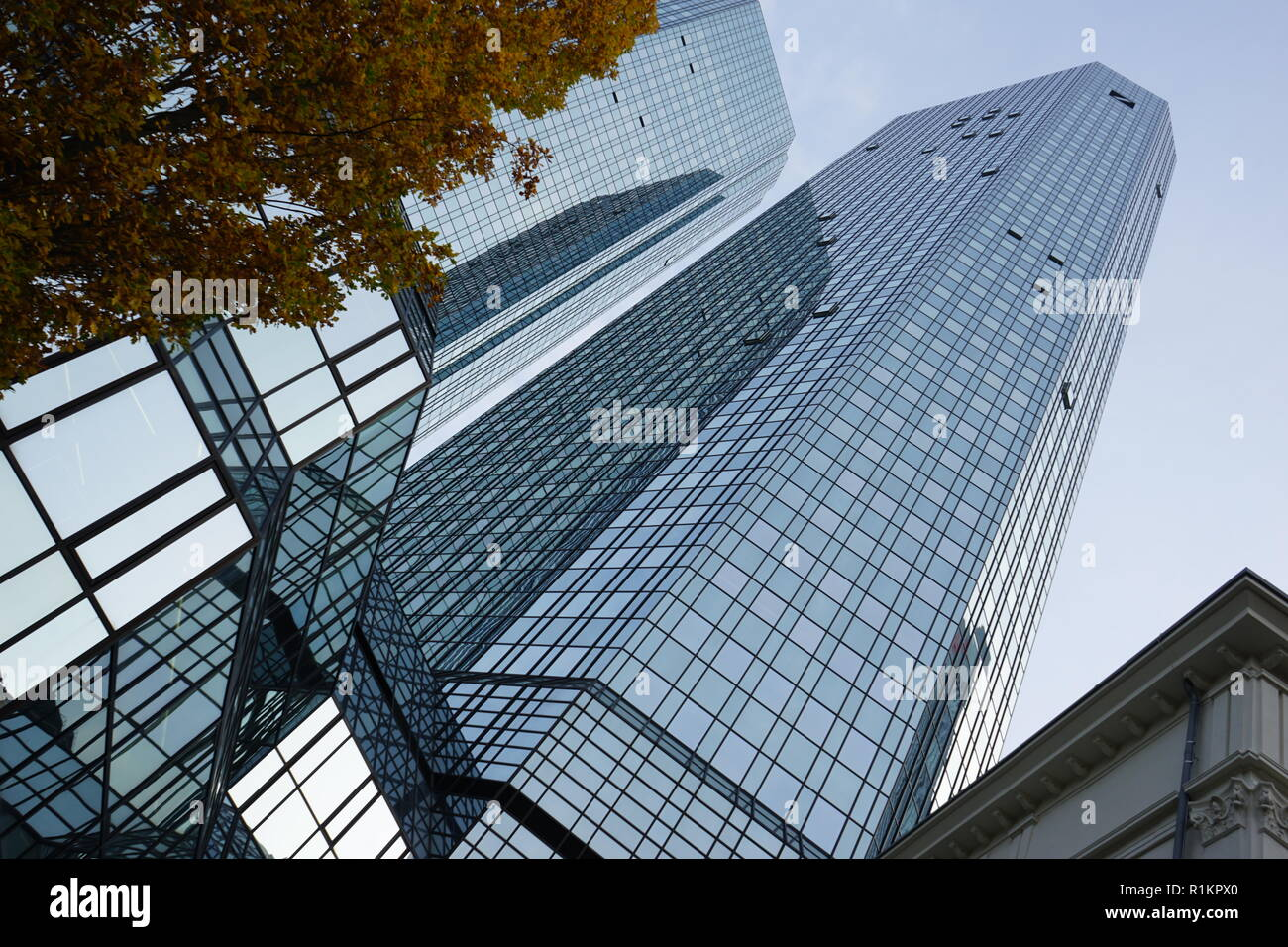 Deutsche Bank Twin Towers, Deutsche-Bank-Hochhaus, gesehen von der Guiollettstraße, Deutsche Bank, Frankfurt, Germany - Stock Image