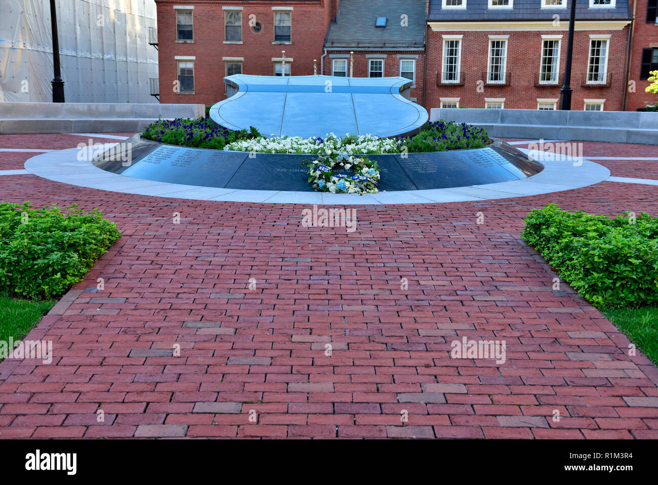 Massachusetts Law Enforcement Memorial to those killed when on duty, located in garden of Massachusetts State House, Boston - Stock Image