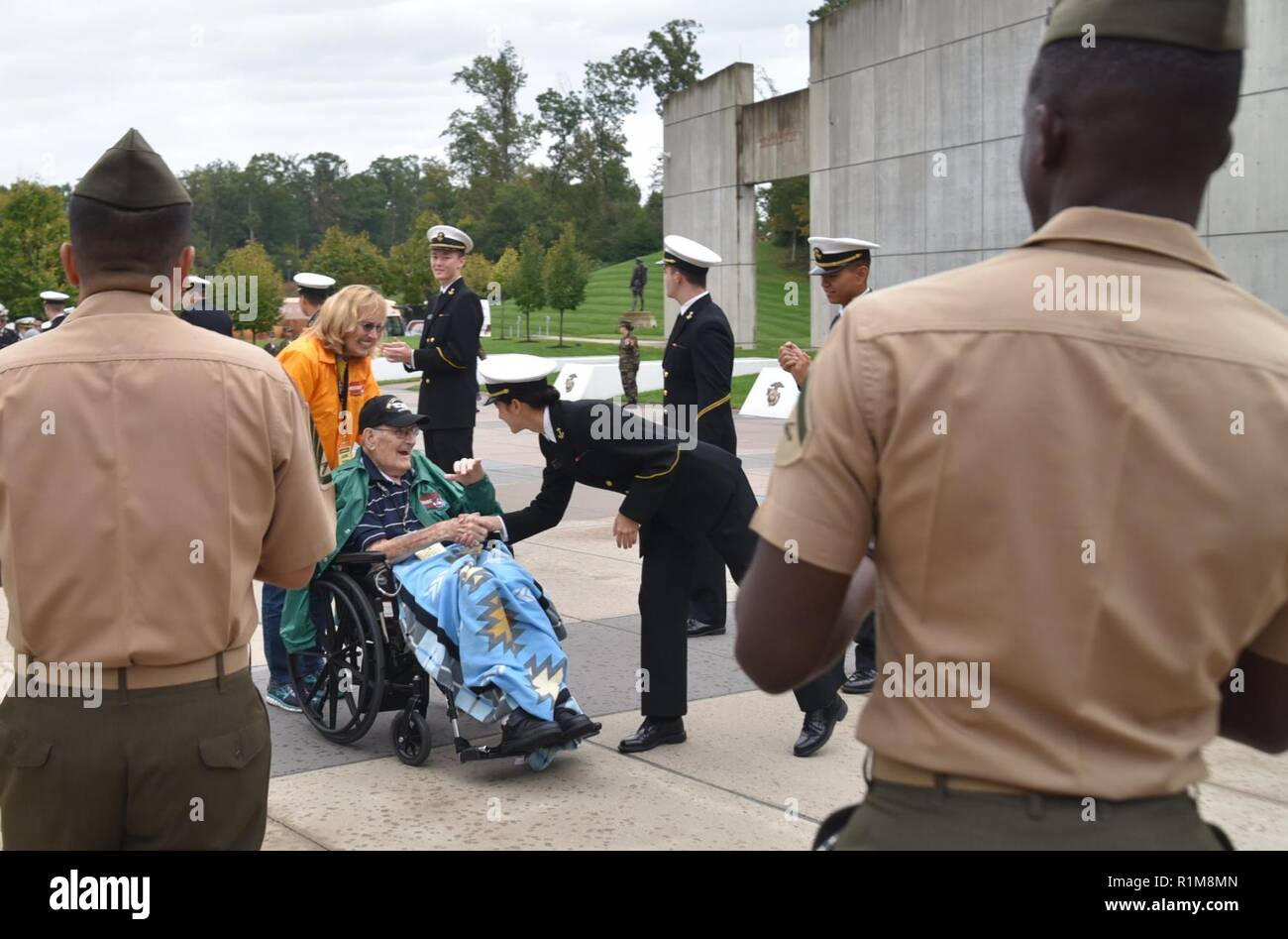 Honor Flight, Korean War veteran, memorial, museum, service members, Vietnam Veteran, welcome home, WWII, WWII veteran - Stock Image
