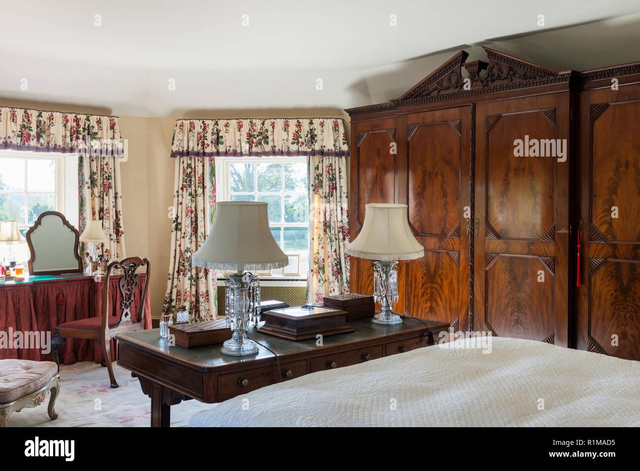 Edwardian style bedroom - Stock Image