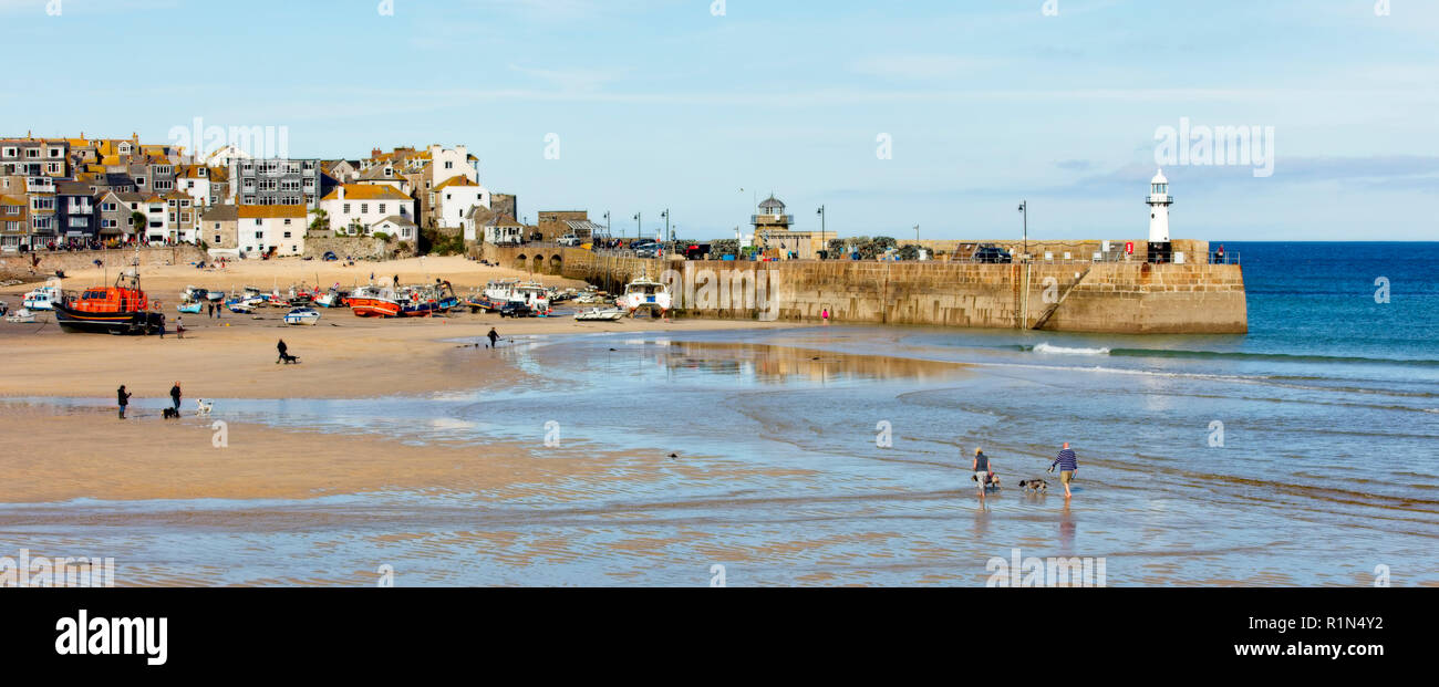 The sandy harbour of St Ives, Cornwall, England, UK. Stock Photo
