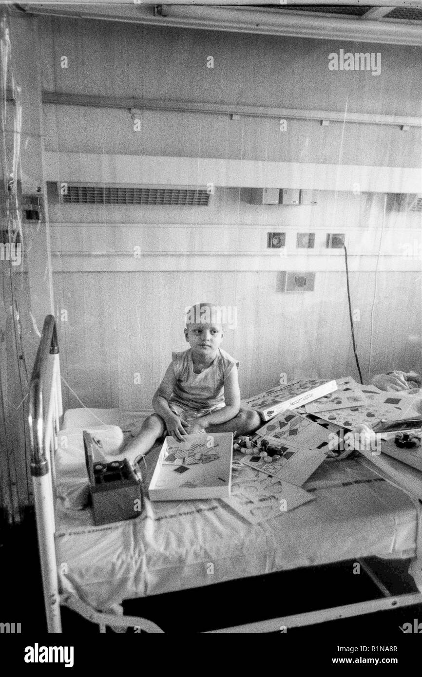 Archives 80ies: Children with immune deficiency at Debrousse Children Hospital, Lyon, France Stock Photo