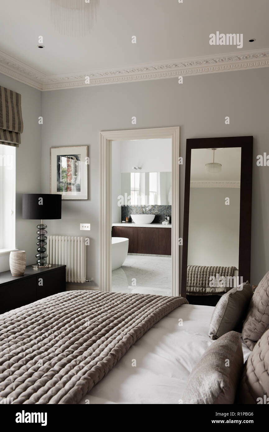 Masculine Bedroom With Ensuite Stock Photo Alamy