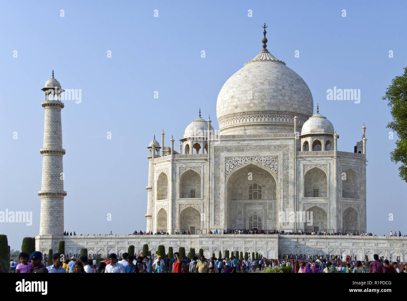 The Taj Mahal is a white marble mausoleum in Agra, India built by Mughal emperor Shah Jahan in memory of his wife, Mumtaz Mahal. - Stock Image
