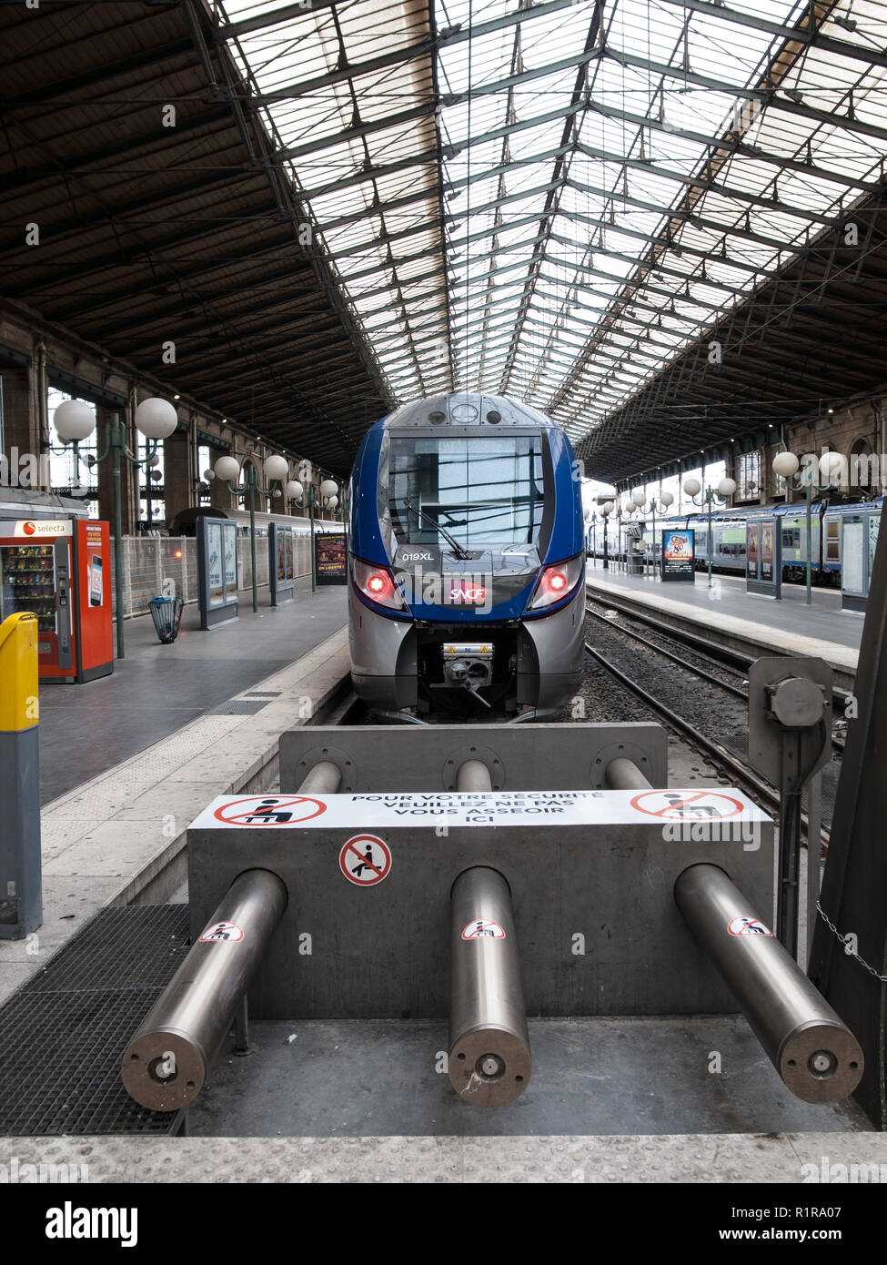 FRENCH RAILWAY - PARIS TRAIN STATION - FRENCH TRAIN - EUROSTAR - PARIS GARE DU NORD - TALIS TRAIN - TRAINS IN GARE DU NORD PARIS -© F.BEAUMONT - Stock Image