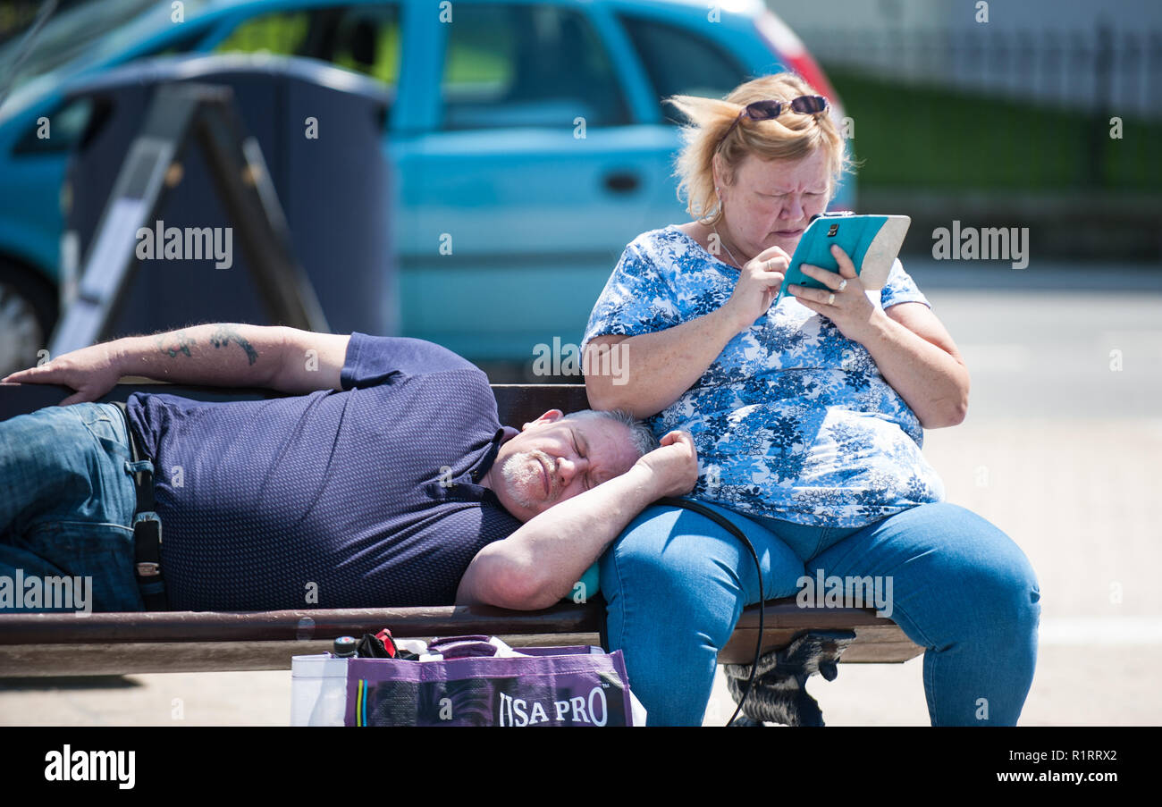 Aberystwyth, Ceredigion, West Wales Saturday 18th June 2016 UK Weather:The return of the warm sunny weather brings everybody back out to enjoy the pro - Stock Image