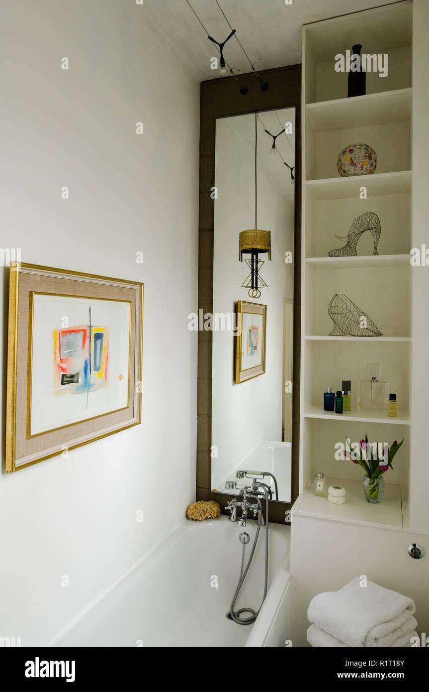 Modern art in bathroom - Stock Image