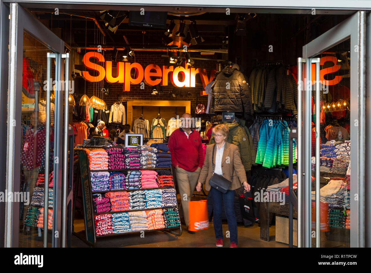 59d425826 Superdry Clothing Store Stock Photos & Superdry Clothing Store Stock ...