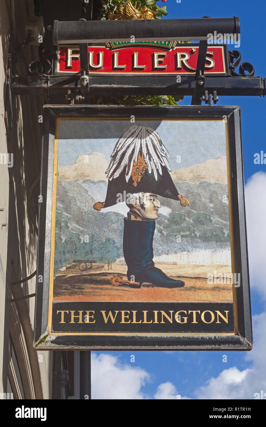 London, Waterloo.  A humorously irreverent depiction of the Duke of Wellington at The Wellington public house in Sandell Street. - Stock Image