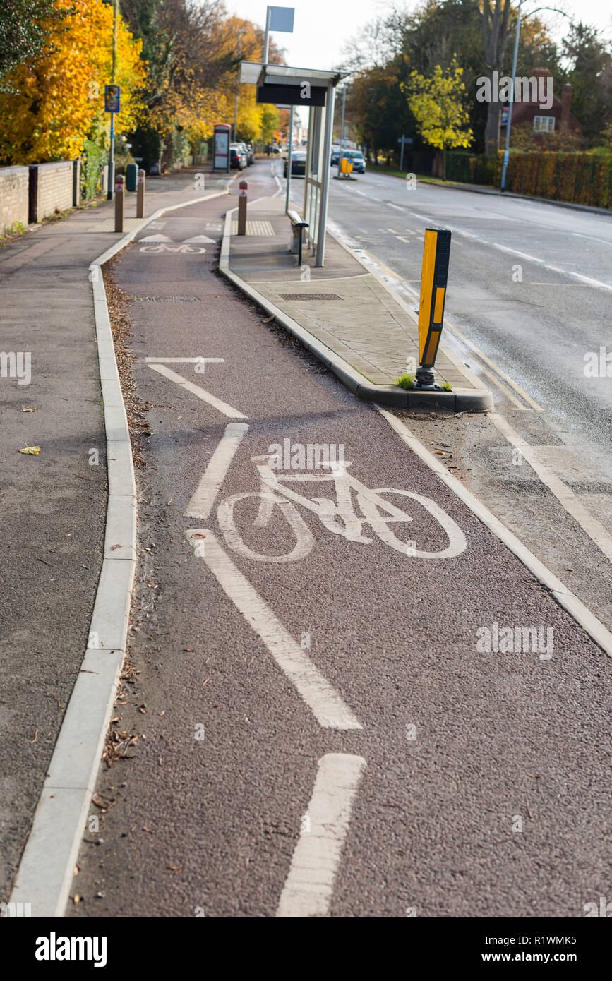 Cycle path along Huntingdon Rd, Cambridge, UK - Stock Image