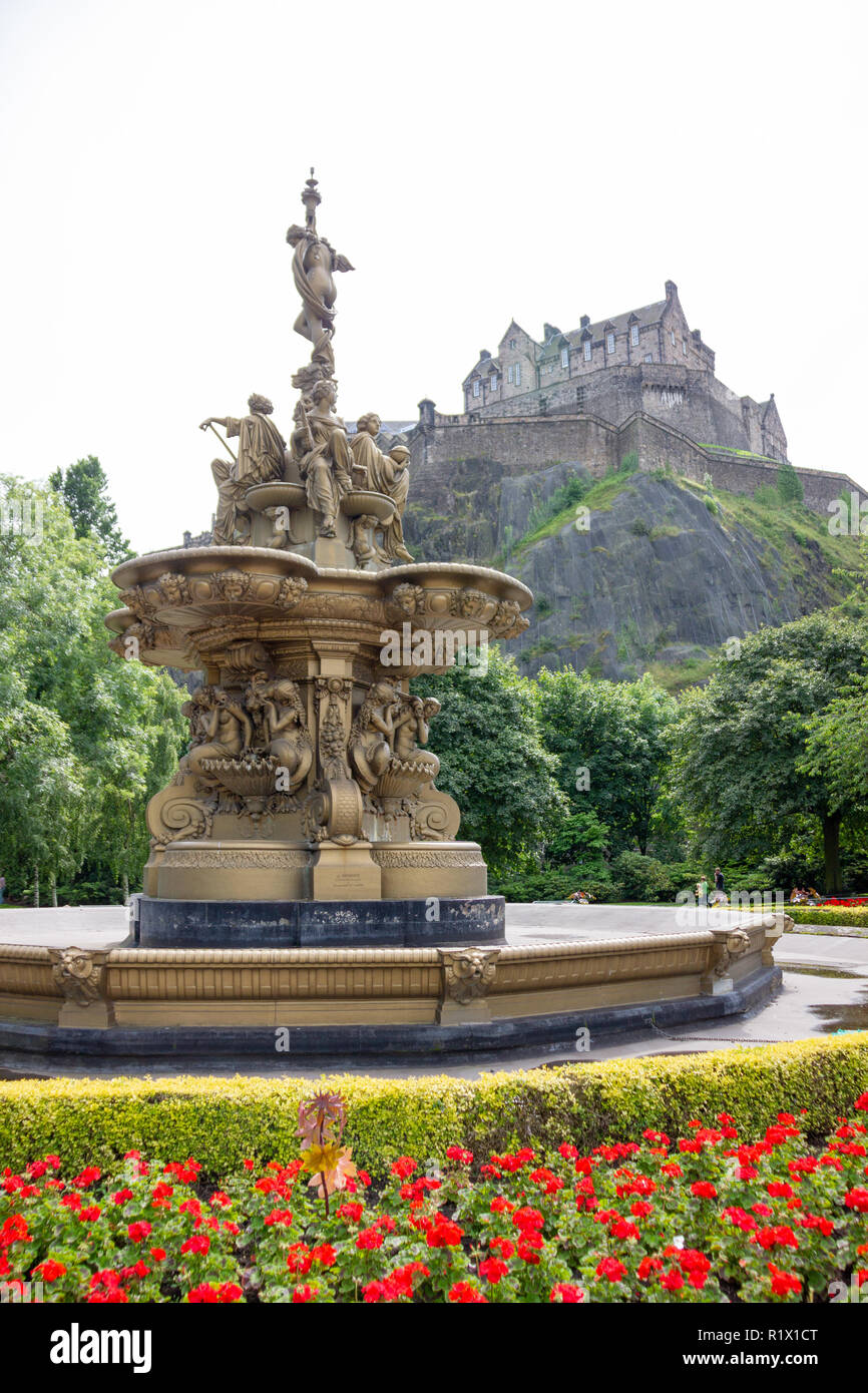 Edinburgh/Scotland - August 2nd 2012: Water fountain with Edinburgh Castle in background Stock Photo
