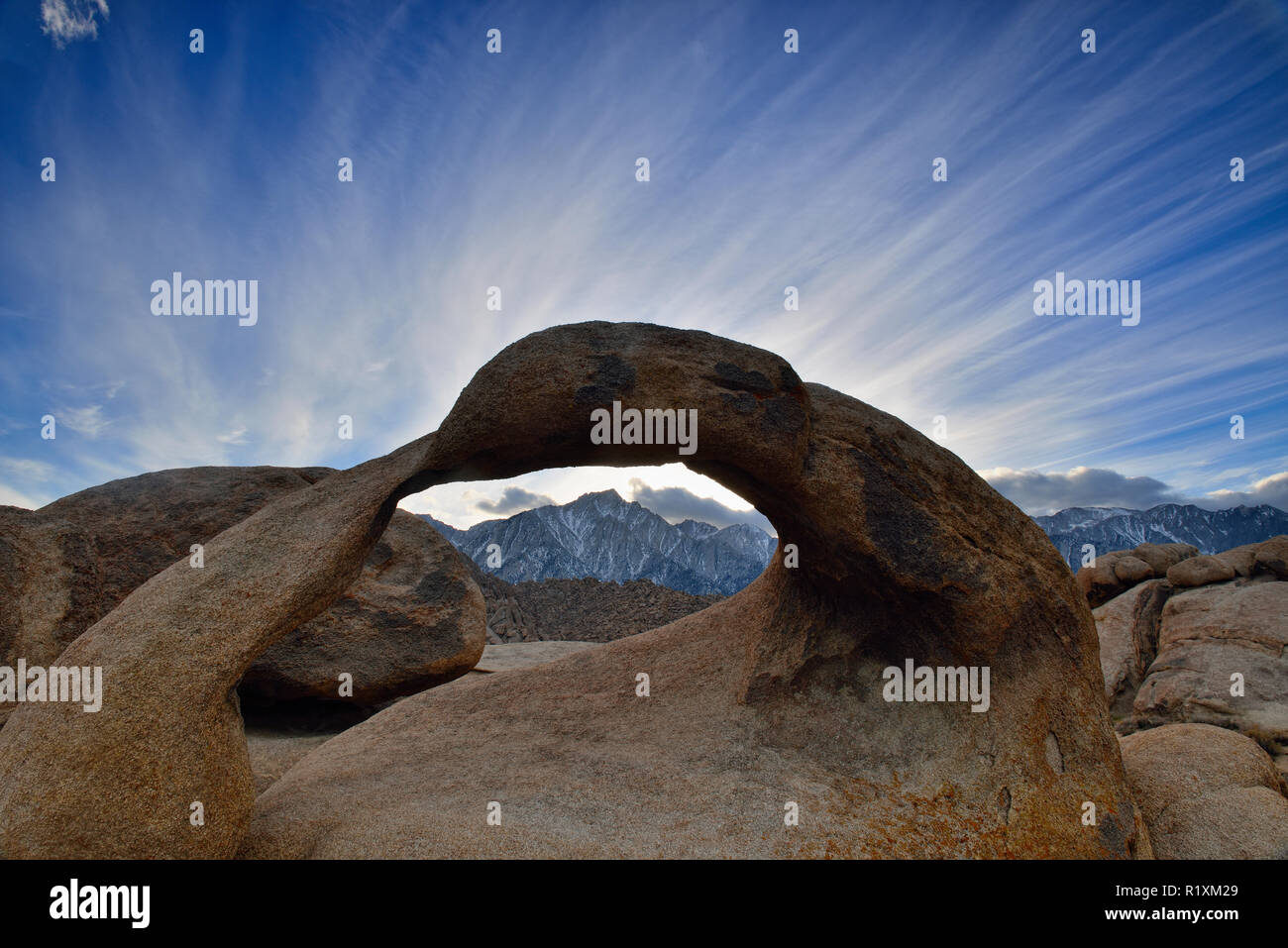 Mobius Arch, BLM Alabama Hills Recreation Area, Lone Pine, California, USA - Stock Image