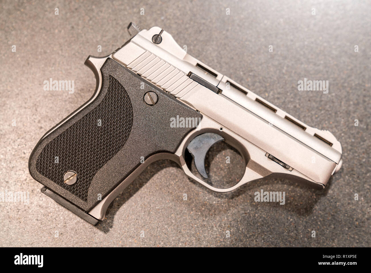 Concealed Weapon Stock Photos & Concealed Weapon Stock Images - Alamy